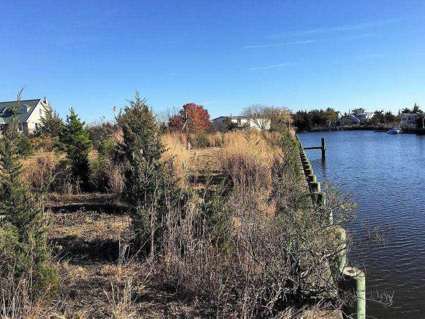 Additional photo for property listing at 8 Juniper Drive 8 Juniper Drive Little Egg Harbor, New Jersey 08087 Vereinigte Staaten