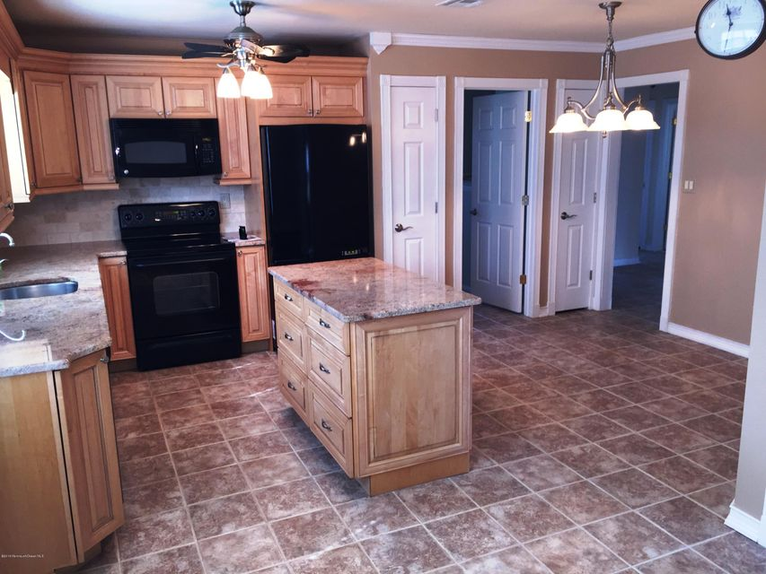 Single Family Home for Rent at 30 Arms Court 30 Arms Court Brick, New Jersey 08723 United States