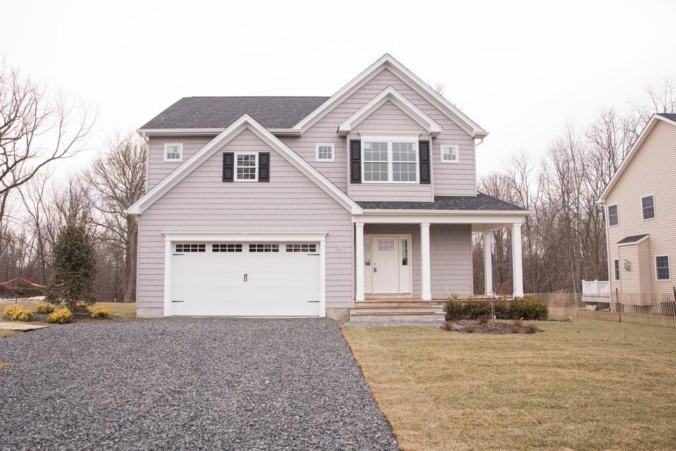 Maison unifamiliale pour l Vente à 223 Tinton Avenue 223 Tinton Avenue Eatontown, New Jersey 07724 États-Unis
