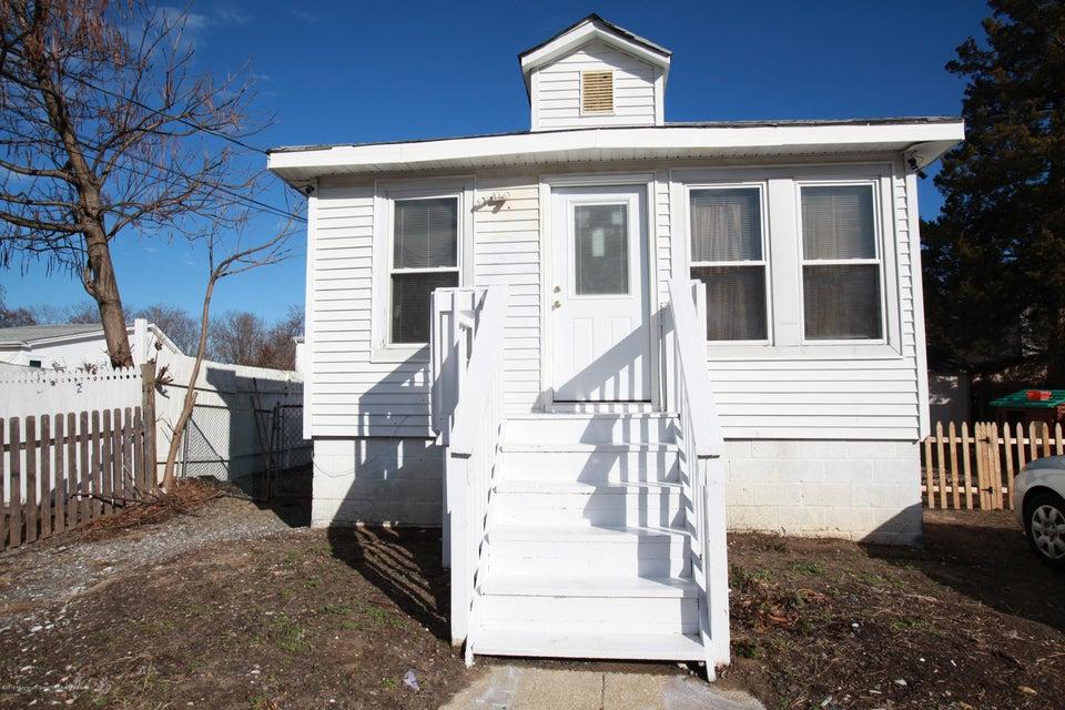 Vivienda multifamiliar por un Venta en 243 Seabreeze Avenue 243 Seabreeze Avenue Middletown, Nueva Jersey 07748 Estados Unidos