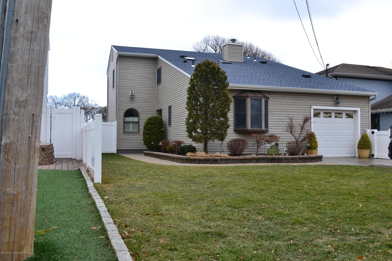 独户住宅 为 销售 在 1102 Del Dor Drive 1102 Del Dor Drive 特普莱森特, 新泽西州 08742 美国