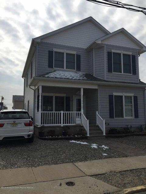 Casa Multifamiliar por un Venta en 17 7th Avenue 17 7th Avenue Ortley Beach, Nueva Jersey 08751 Estados Unidos