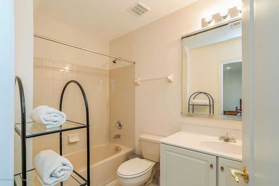 Princess Suite Full Bath