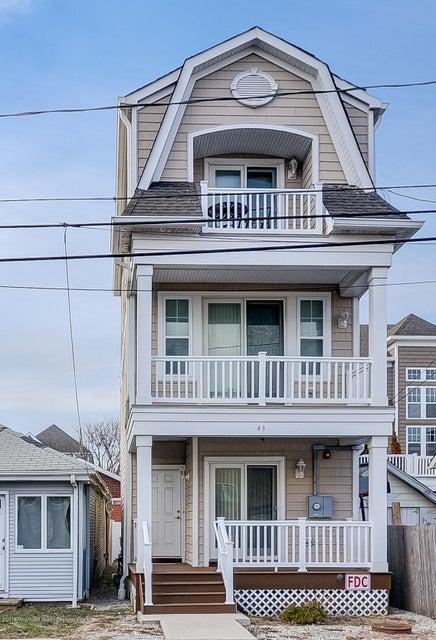 独户住宅 为 销售 在 43-45 Marine Terrace 43-45 Marine Terrace 朗布兰奇, 新泽西州 07740 美国