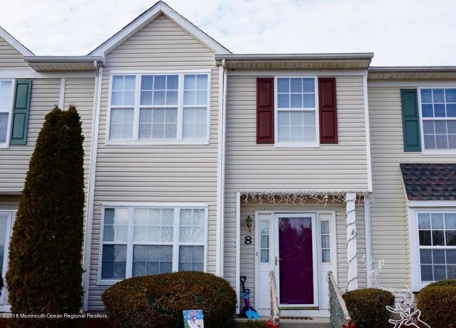 Condominio por un Alquiler en 32 Oliver Court 32 Oliver Court Freehold, Nueva Jersey 07728 Estados Unidos