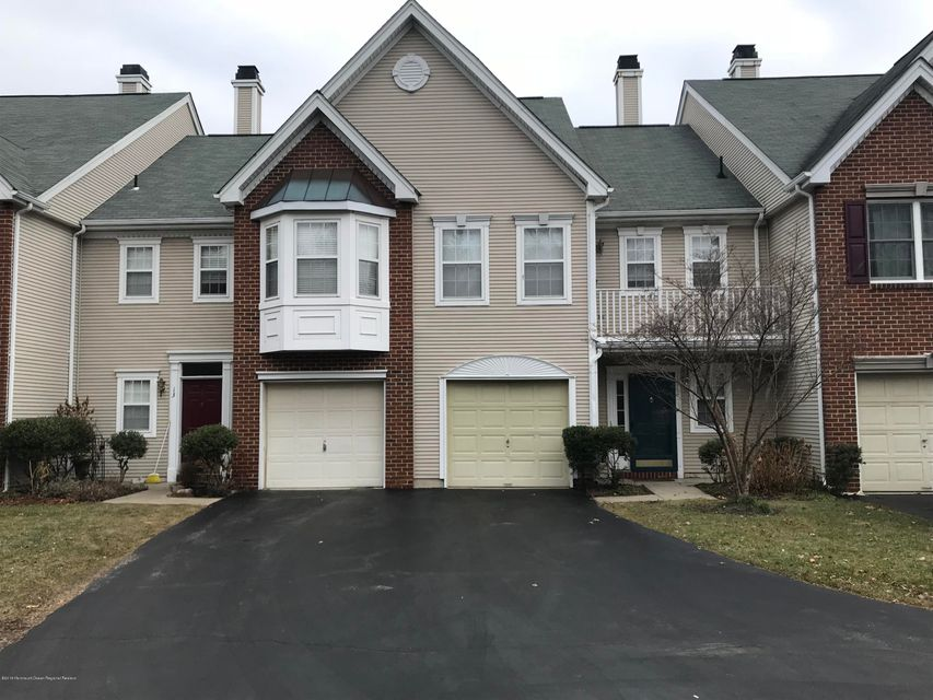 共管式独立产权公寓 为 出租 在 12 Beacon Court 12 Beacon Court 霍木德尔镇, 新泽西州 07733 美国
