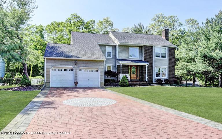 独户住宅 为 出租 在 6 Jamestown Drive 6 Jamestown Drive 伊顿敦, 新泽西州 07724 美国