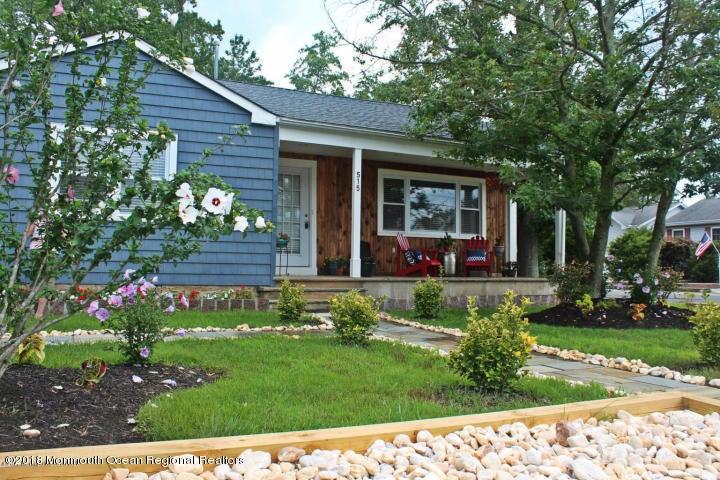 Casa Unifamiliar por un Alquiler en 515 Stone Harbor Avenue 515 Stone Harbor Avenue Ocean Gate, Nueva Jersey 08740 Estados Unidos