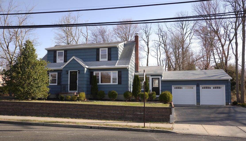 Nhà ở một gia đình vì Bán tại 152 Church Street 152 Church Street Aberdeen, New Jersey 07747 Hoa Kỳ