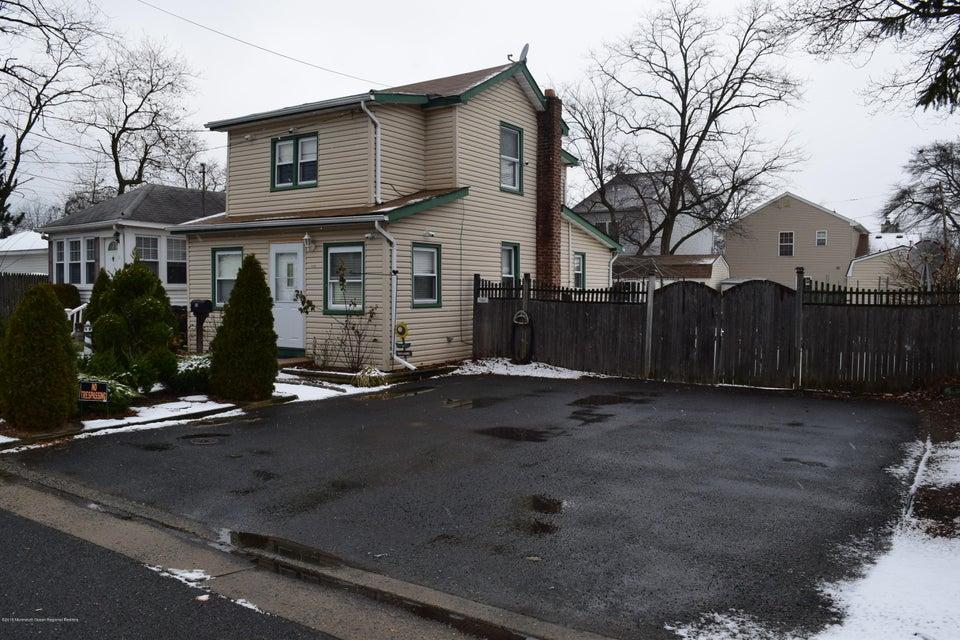 Casa Unifamiliar por un Alquiler en 115 Cedar Avenue 115 Cedar Avenue North Middletown, Nueva Jersey 07748 Estados Unidos