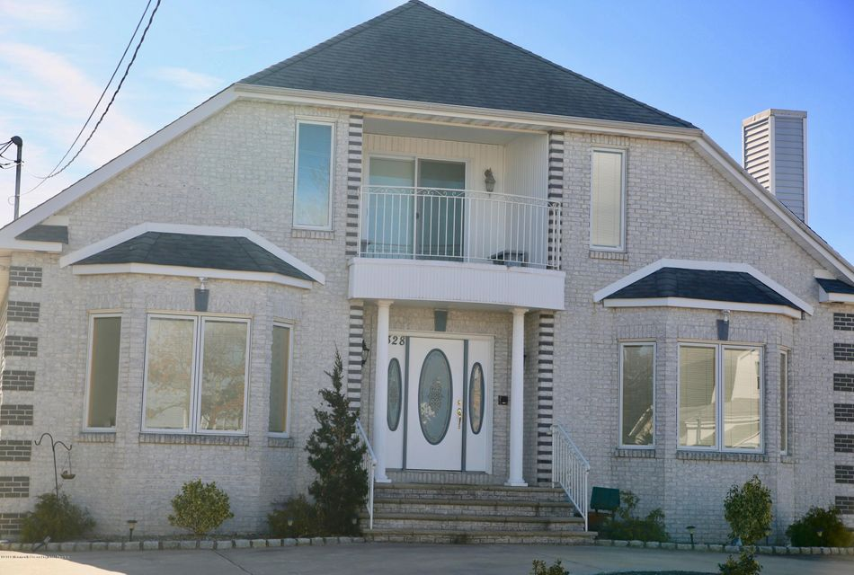 Maison unifamiliale pour l Vente à 328 Bay View Avenue 328 Bay View Avenue Ocean Gate, New Jersey 08740 États-Unis
