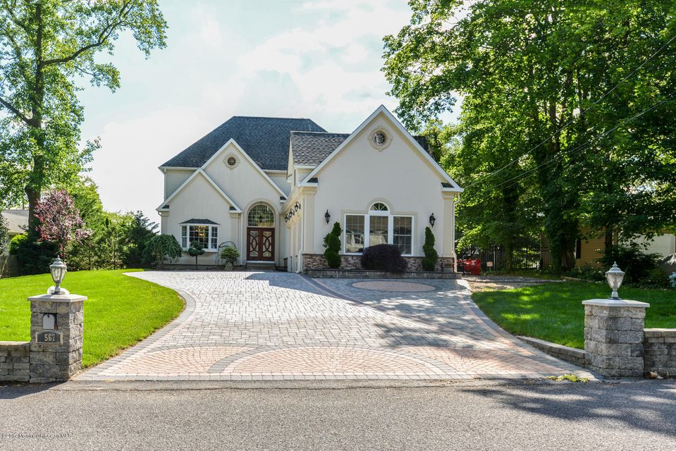 2567 River Road - Front
