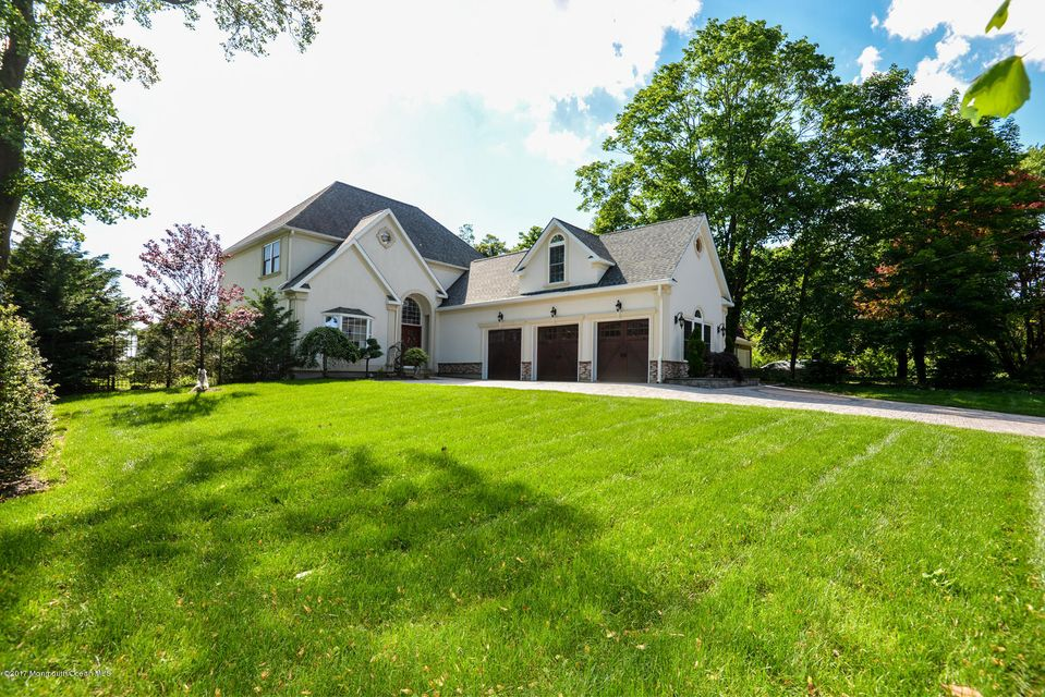 2567 River Rd - Front 3