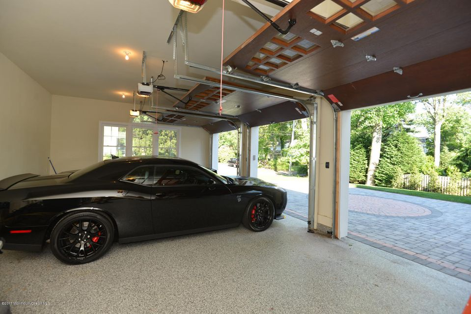 3-car garage inside