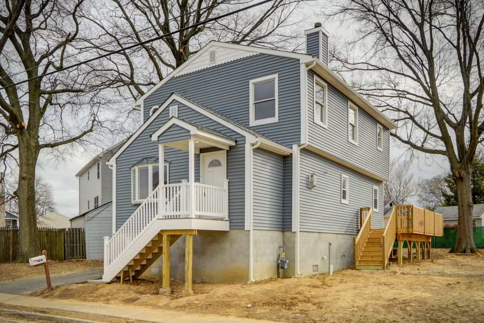 Single Family Home for Sale at 814 Park Avenue 814 Park Avenue Union Beach, New Jersey 07735 United States