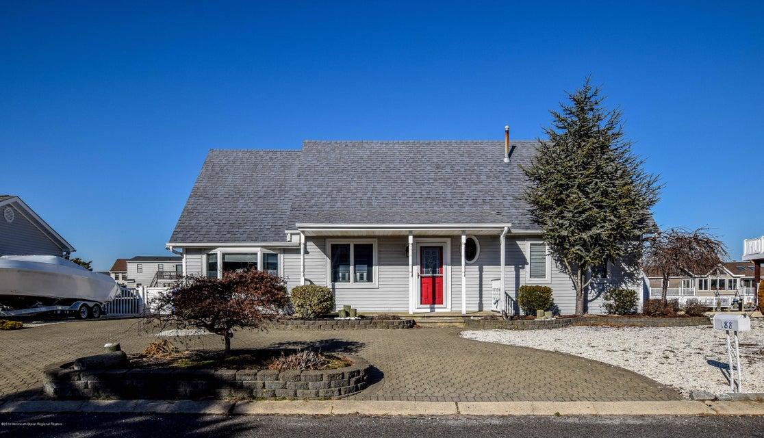 Maison unifamiliale pour l Vente à 188 Catherine Lane 188 Catherine Lane Manahawkin, New Jersey 08050 États-Unis