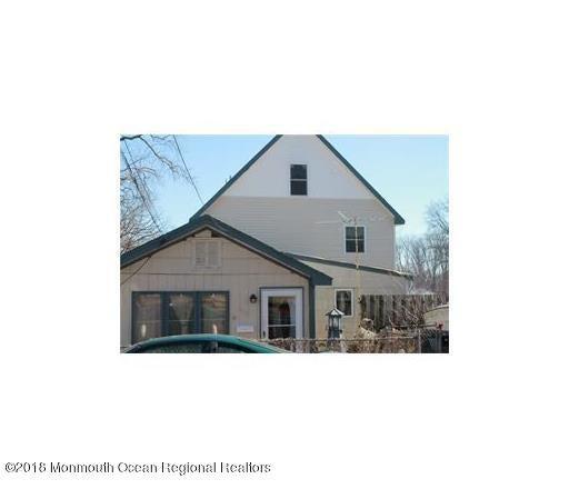 Maison unifamiliale pour l Vente à 605 Greenwood Avenue 605 Greenwood Avenue Laurence Harbor, New Jersey 08879 États-Unis