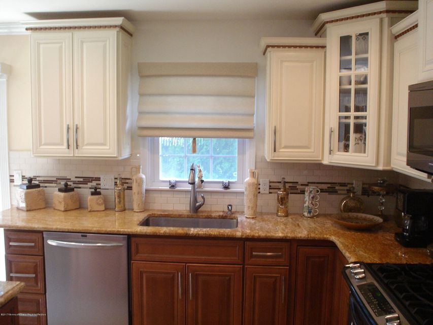 Additional photo for property listing at 65 Brakenbury Drive 65 Brakenbury Drive Toms River, ニュージャージー 08757 アメリカ合衆国