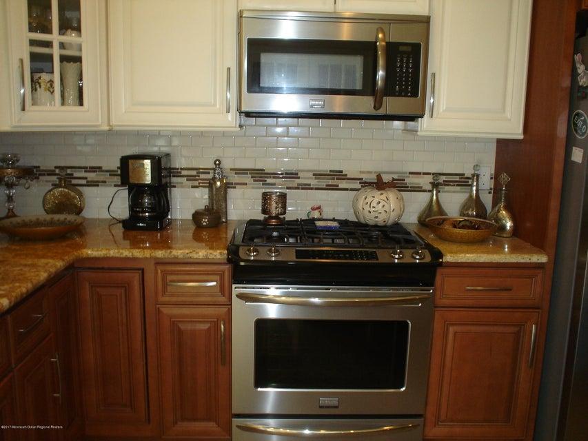 Additional photo for property listing at 65 Brakenbury Drive 65 Brakenbury Drive Toms River, 뉴저지 08757 미국