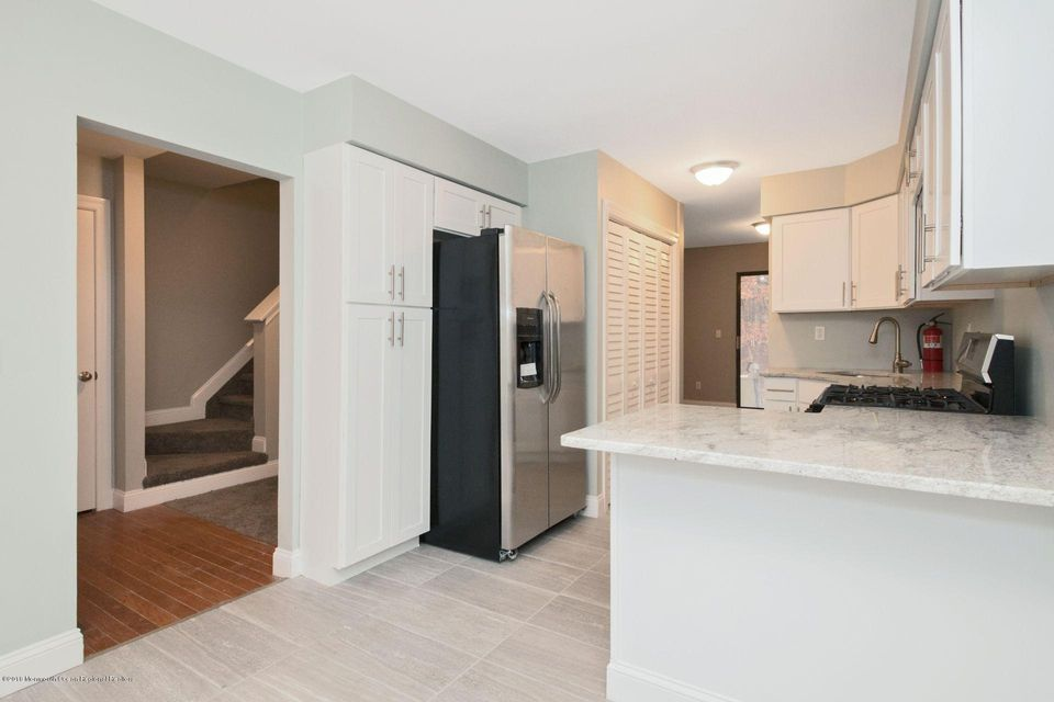 Additional photo for property listing at 807 Arlington Drive 807 Arlington Drive Toms River, New Jersey 08755 Vereinigte Staaten