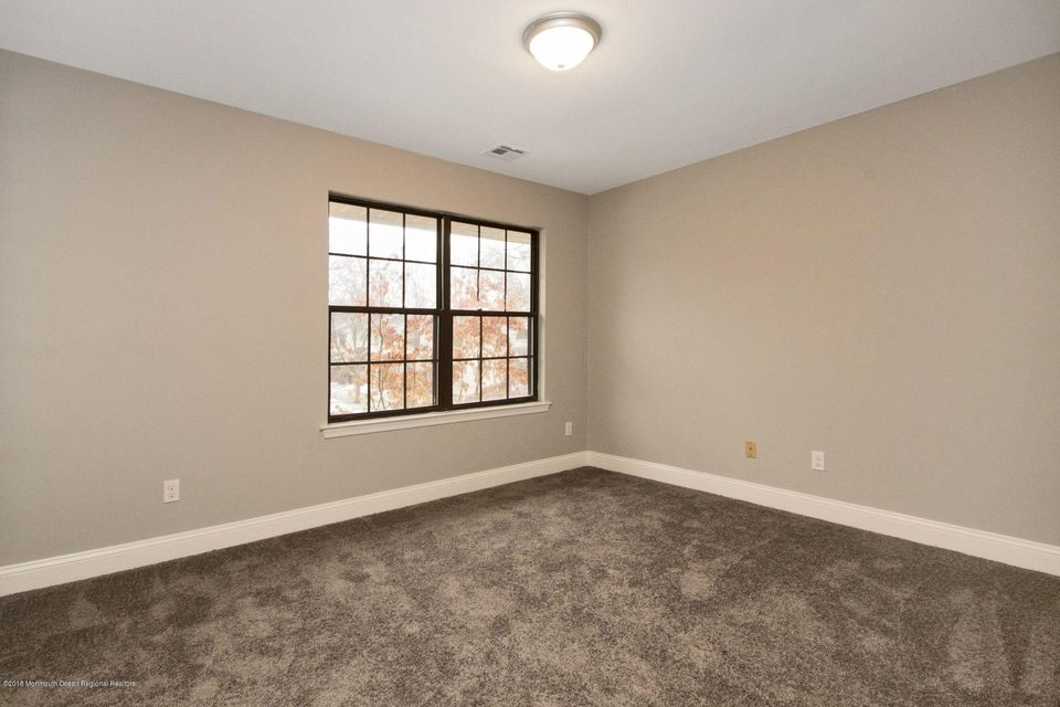 Additional photo for property listing at 807 Arlington Drive 807 Arlington Drive Toms River, New Jersey 08755 Hoa Kỳ