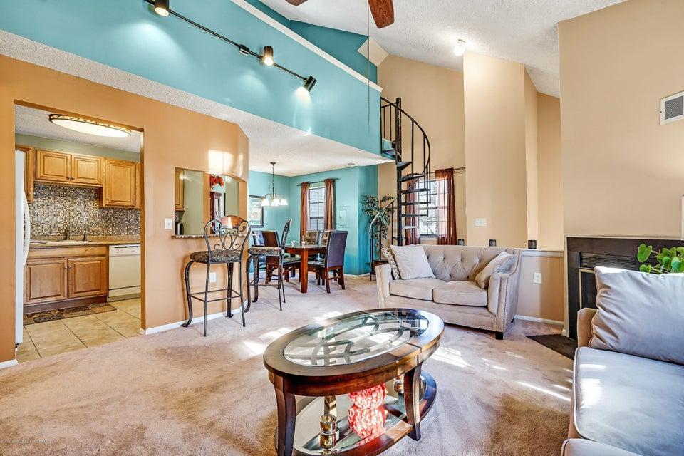 Appartement en copropriété pour l à louer à 101 Begonia Court 101 Begonia Court Jackson, New Jersey 08527 États-Unis
