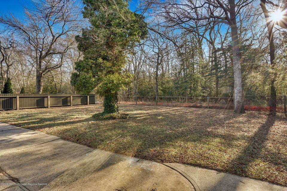 Additional photo for property listing at 615 Sunrise Boulevard 615 Sunrise Boulevard Forked River, Nueva Jersey 08731 Estados Unidos