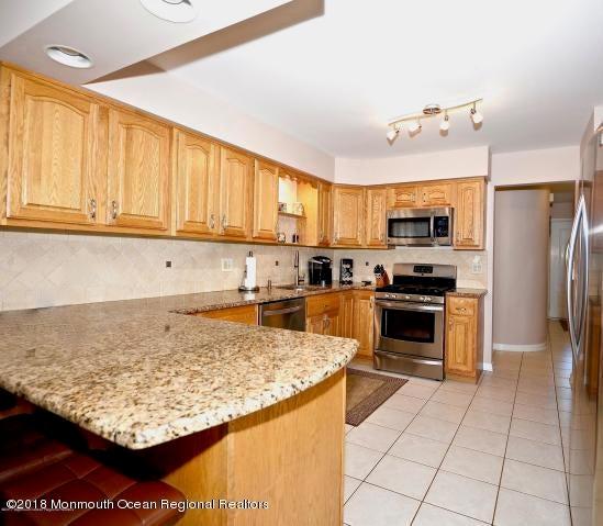 Additional photo for property listing at 702 Roanoke Drive 702 Roanoke Drive Forked River, Nova Jersey 08731 Estados Unidos