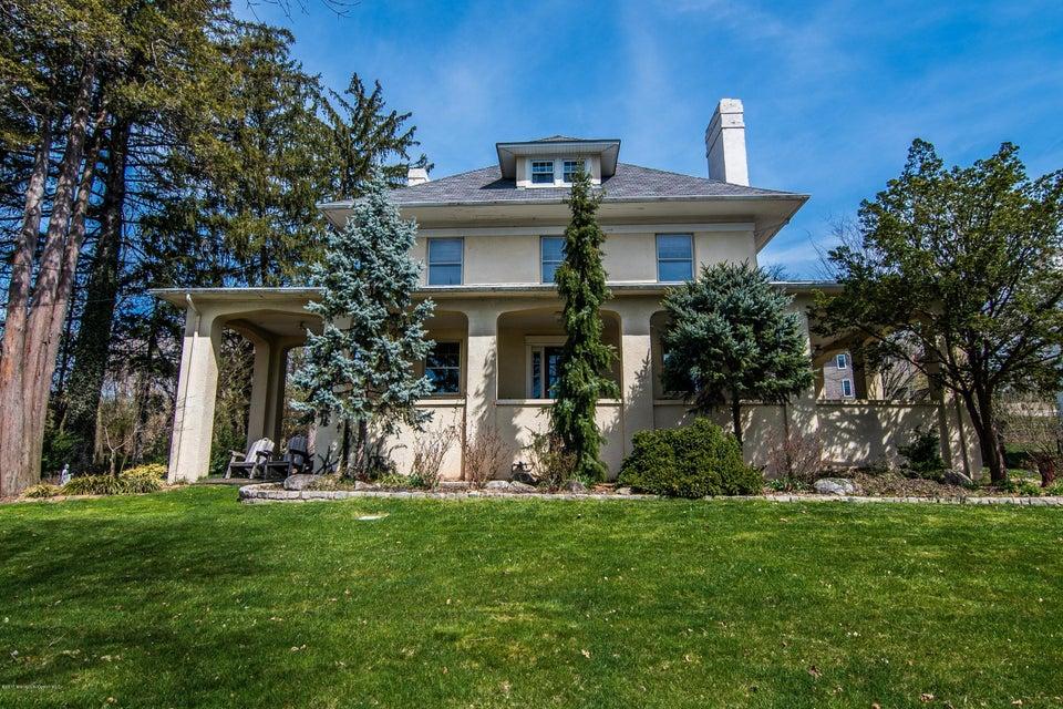 Casa Unifamiliar por un Venta en 1 Hillcrest Drive 1 Hillcrest Drive Piscataway, Nueva Jersey 08854 Estados Unidos