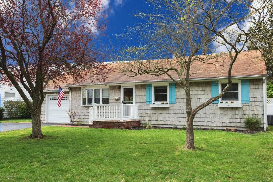 Maison unifamiliale pour l à louer à 119 Meadowbrook Road 119 Meadowbrook Road Spring Lake Heights, New Jersey 07762 États-Unis