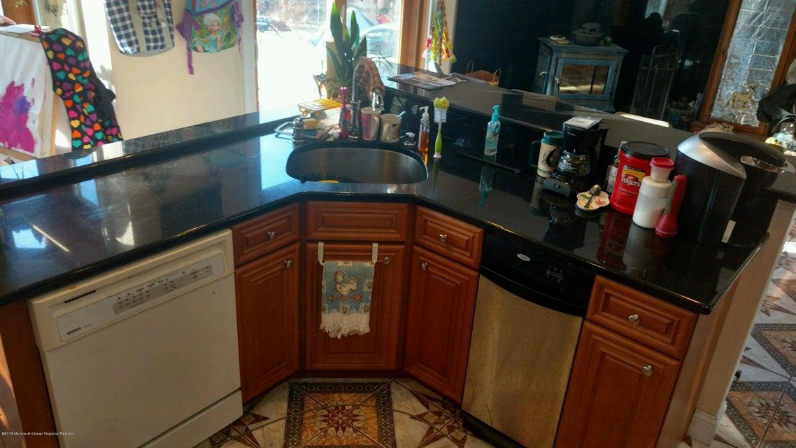 301 Kitchen2