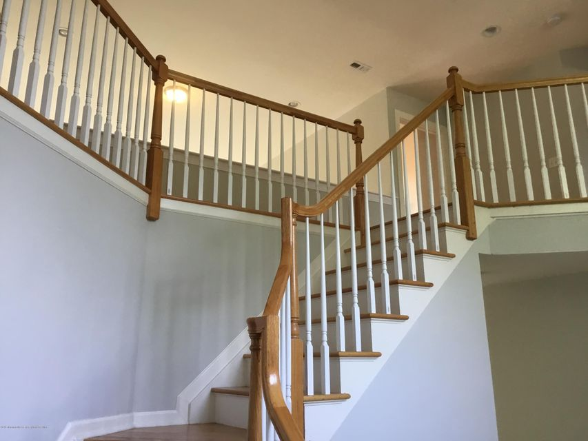 Additional photo for property listing at 184 Jackson Mills Road 184 Jackson Mills Road Freehold, Nova Jersey 07728 Estados Unidos