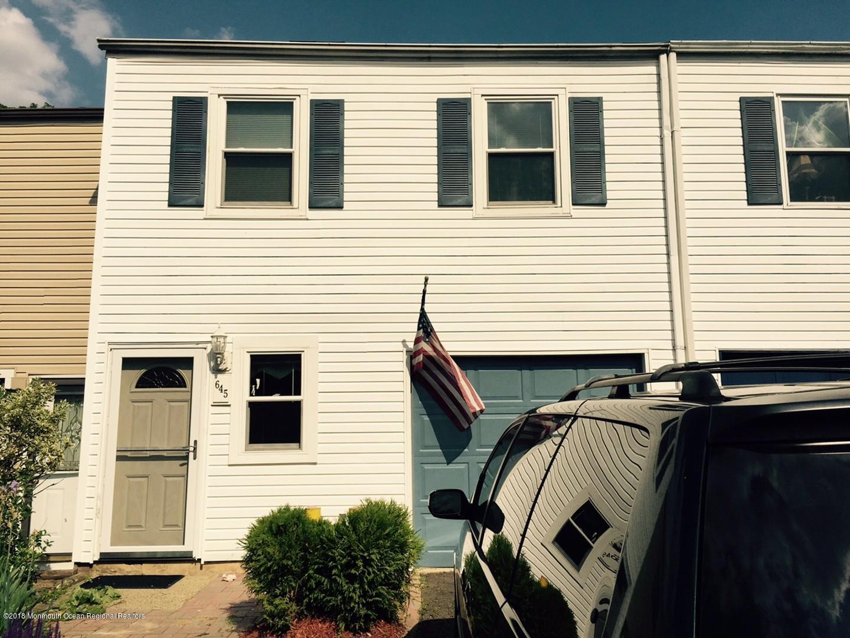 Appartement en copropriété pour l à louer à 645 Randall Way 645 Randall Way Aberdeen, New Jersey 07747 États-Unis