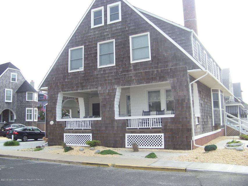 Single Family Home for Rent at 336 East Avenue 336 East Avenue Bay Head, New Jersey 08742 United States
