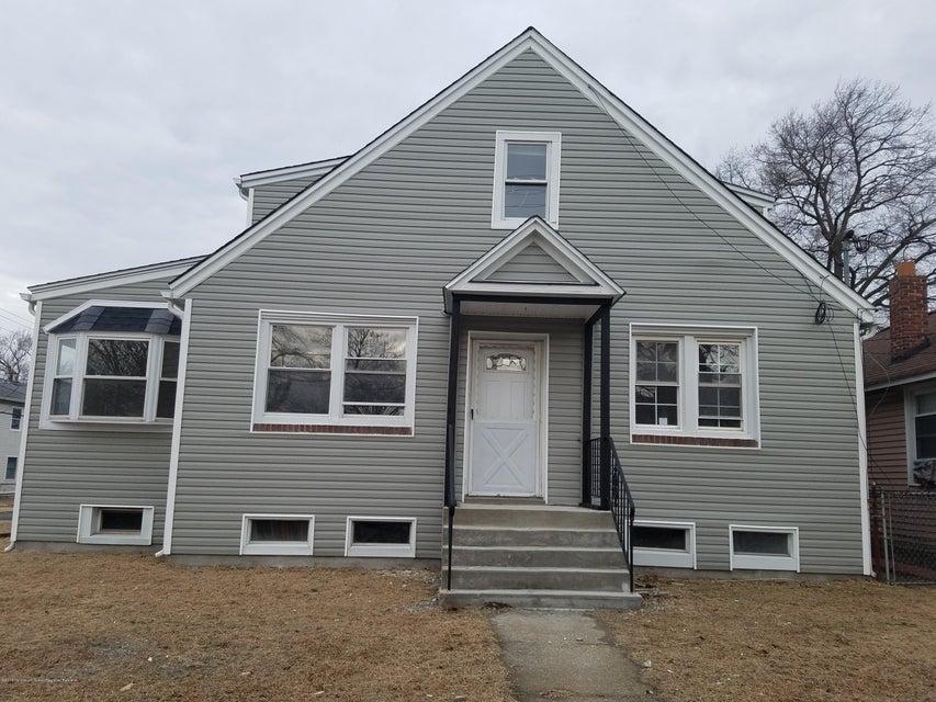 Casa Unifamiliar por un Alquiler en 113 Highland Boulevard 113 Highland Boulevard Keansburg, Nueva Jersey 07734 Estados Unidos