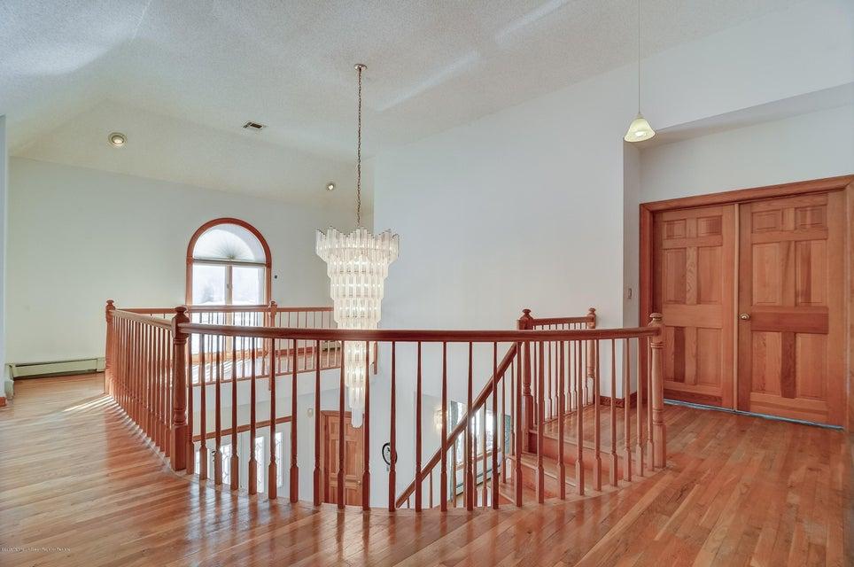 Upstairs Catwalk & Foyer