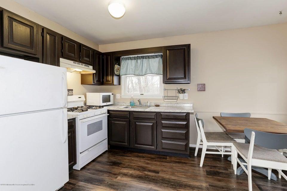 Additional photo for property listing at 103 Teakwood Drive 103 Teakwood Drive Brick, Нью-Джерси 08723 Соединенные Штаты