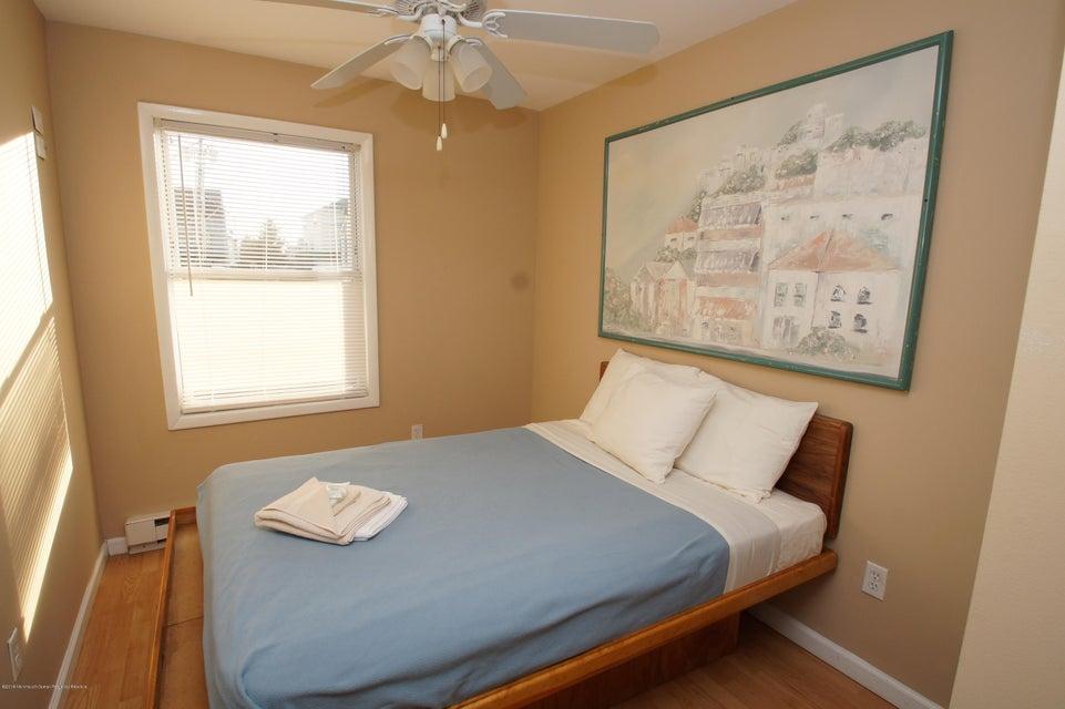 Additional photo for property listing at 39 Stockton Avenue 39 Stockton Avenue Seaside Park, Nova Jersey 08752 Estados Unidos