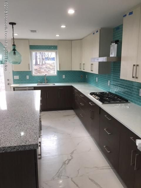 단독 가정 주택 용 매매 에 42 Whalepond Road 42 Whalepond Road Ocean Township, 뉴저지 07755 미국