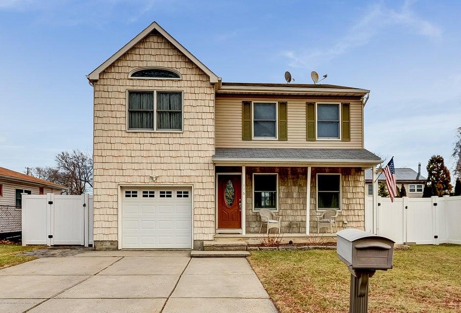 Maison unifamiliale pour l Vente à 116 Shoreland Terrace 116 Shoreland Terrace Middletown, New Jersey 07748 États-Unis