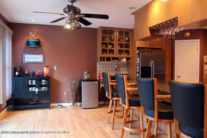 Additional photo for property listing at 651 Monroe Avenue 651 Monroe Avenue Whiting, New Jersey 08759 États-Unis