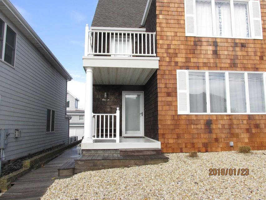 Casa Unifamiliar por un Alquiler en 1 Camden Avenue 1 Camden Avenue Lavallette, Nueva Jersey 08735 Estados Unidos
