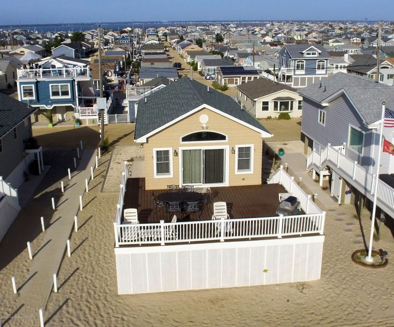3276  Seaview Road - Lavallette
