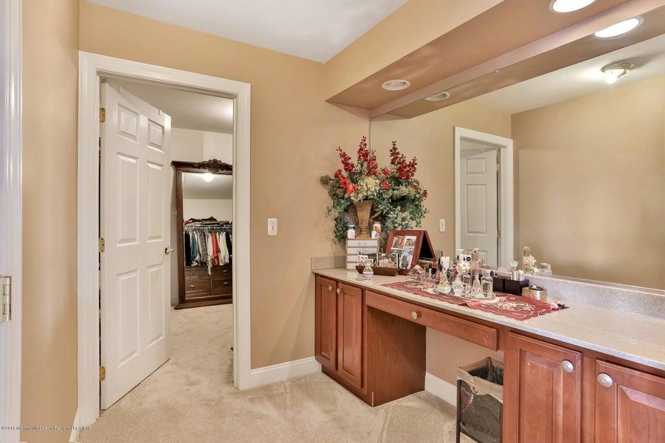 Master Vanity & dressing room