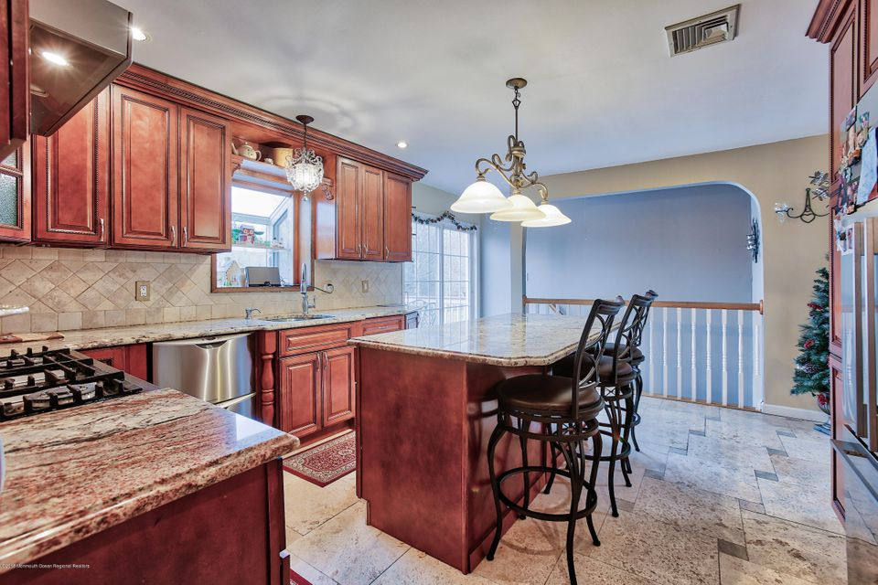 Additional photo for property listing at 193 Disbrow Hill Road 193 Disbrow Hill Road Monroe, New Jersey 08831 Vereinigte Staaten