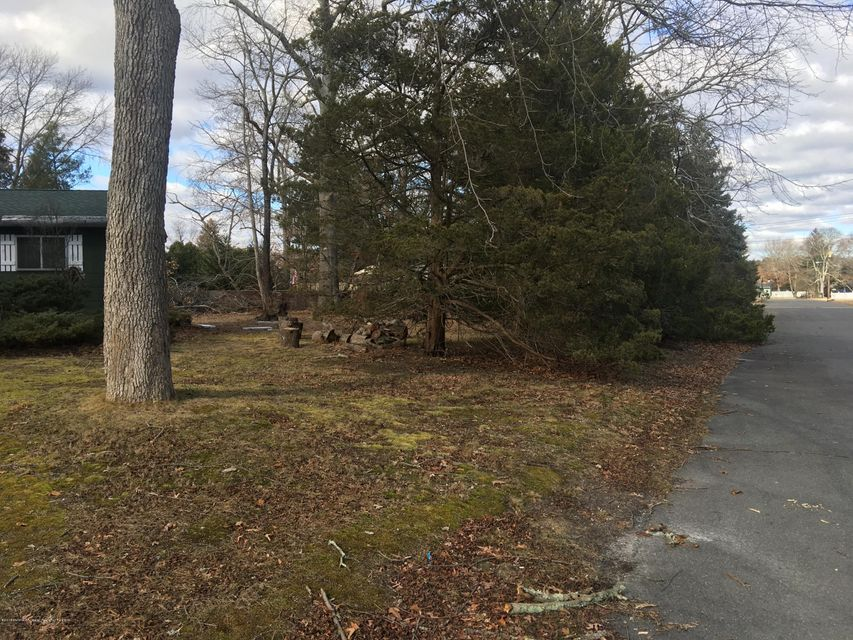 Additional photo for property listing at 37 Harley Boulevard 37 Harley Boulevard Bayville, New Jersey 08721 United States
