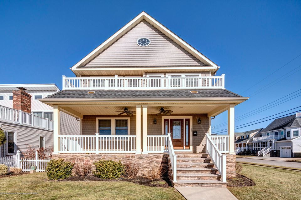 Single Family Home for Sale at 200 North Boulevard 200 North Boulevard Belmar, New Jersey 07719 United States
