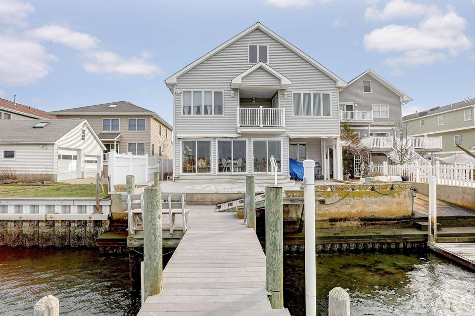 Single Family Home for Sale at 129 Randall Avenue 129 Randall Avenue Point Pleasant Beach, New Jersey 08742 United States