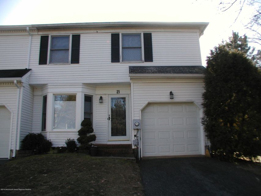 Single Family Home for Sale at 21 Carriage Lane 21 Carriage Lane Englishtown, New Jersey 07726 United States