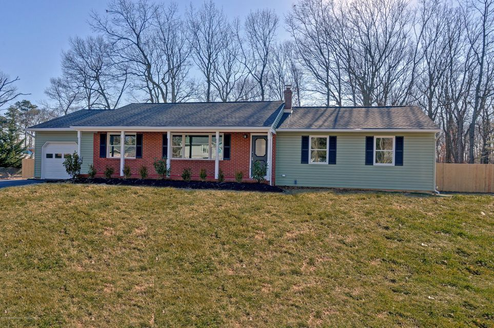 Single Family Home for Sale at 368 Grant Avenue 368 Grant Avenue Eatontown, New Jersey 07724 United States